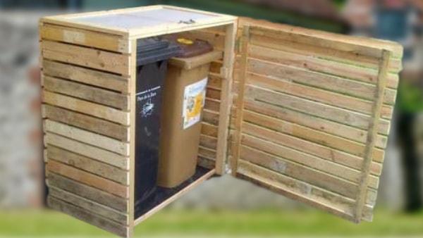 abri pour les poubelles - cache poubelle en bois avec des palettes
