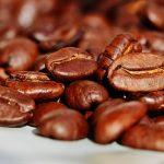 Stopper les mauvaises odeurs avec les grains de café